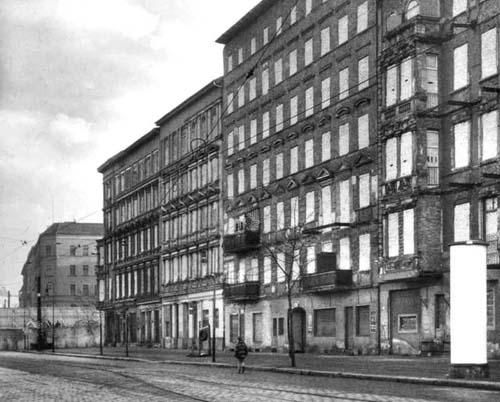 Quia die berliner mauer ikonen einer grenzanlage for Fenster berlin